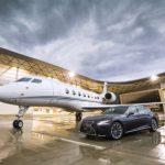 Samochody Lexusa pracują na lotnisku
